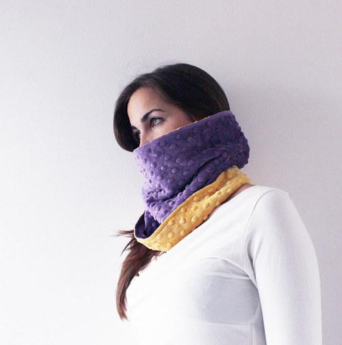 Nákrčník violet/yellow...sleva