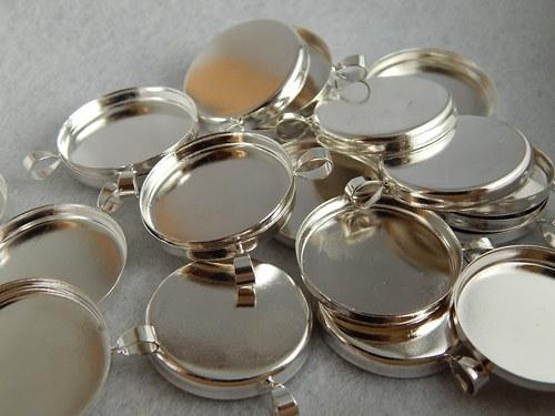 Lůžko kovové kulaté