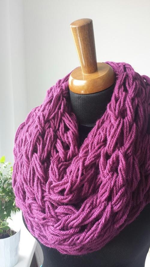 Purpurová pletená