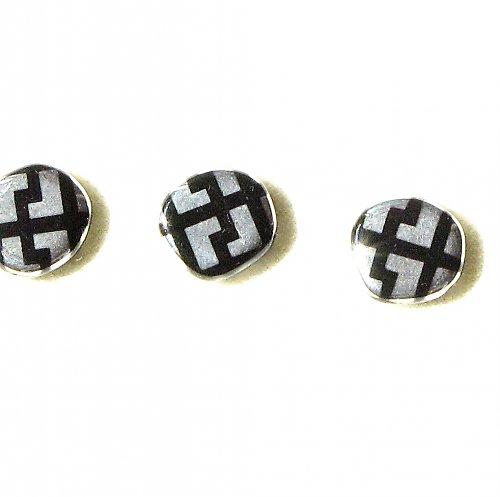 Stříbrné penízky s černým ornamentem - 15 mm, 5 ks