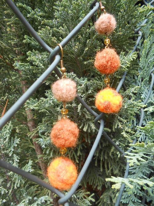 Oranžovohnědé náušničky