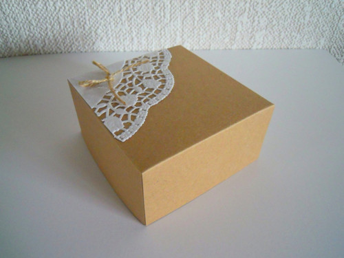 Dárková krabička - Kraft + papír.krajka