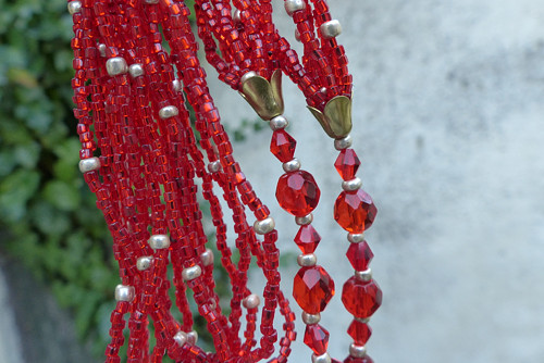 Jahody se smetanou...skleněný náhrdelník