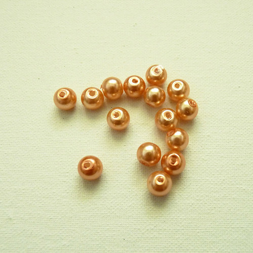 Perličky světle oranžové 15 ks