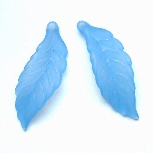 List plastový kroucený