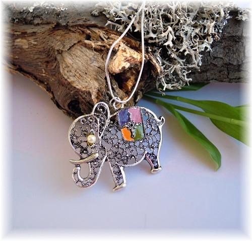 Náhrdelník se slonečkem