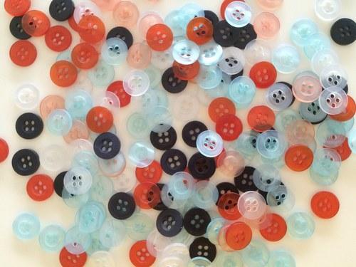 Plastové knoflíky, 11 mm (mix balíček 50 ks)