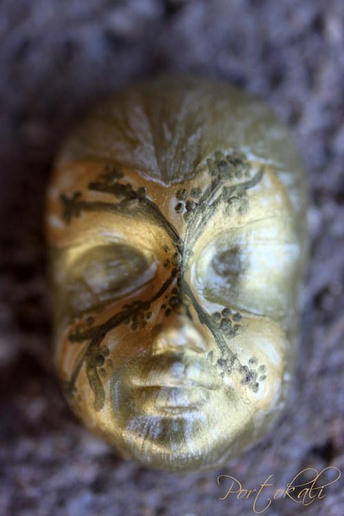 Benátská maska 2 - kabošon