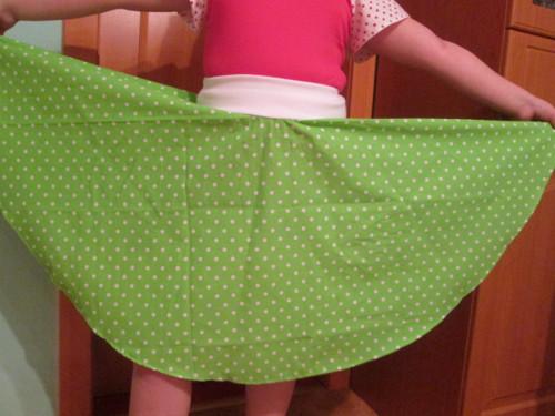 puntíkatá kolová sukně