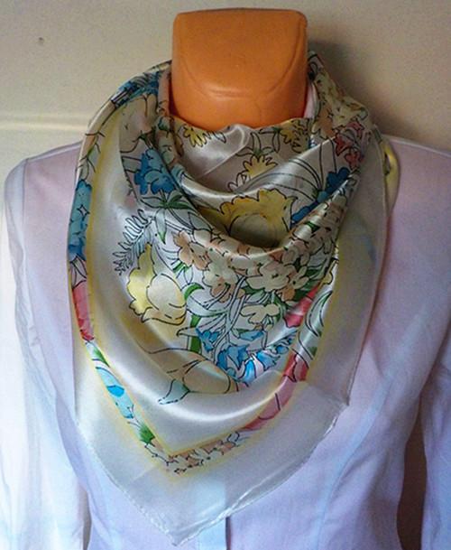 Velký hedvábný šátek----zahrada 3