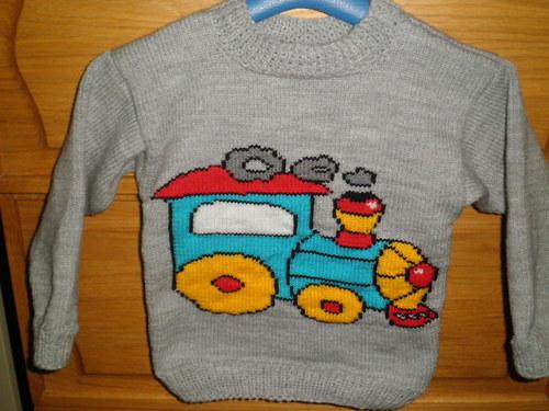 Dětský svetr s lokomotivou