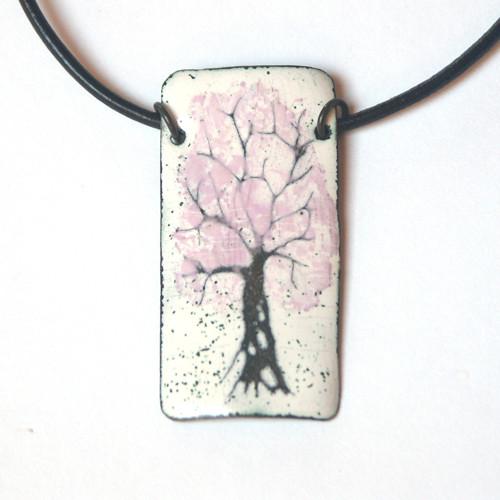 Sakura - smaltovaný náhrdelník