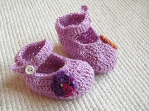 Háčkované capáčky fialové