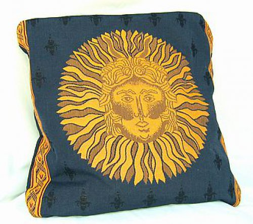 Polštář modrý plněný špaldo.slupkami, vzor slunce
