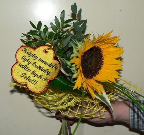 Visačka květinka mamince