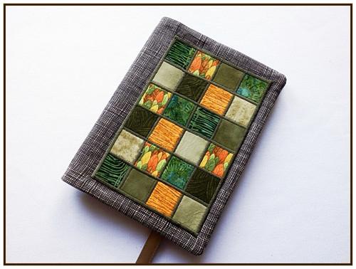 Obal na knihu s  mozaikou do zelena