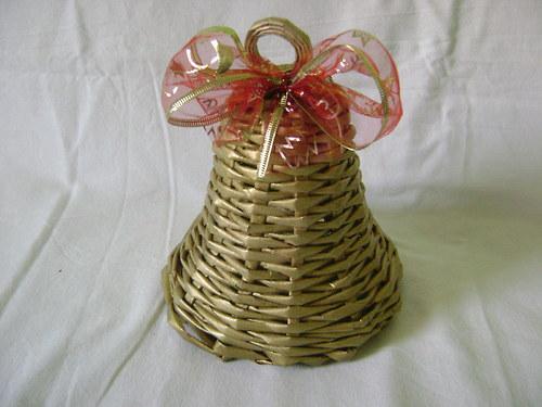 Zvoneček zlatý s červenou mašlí