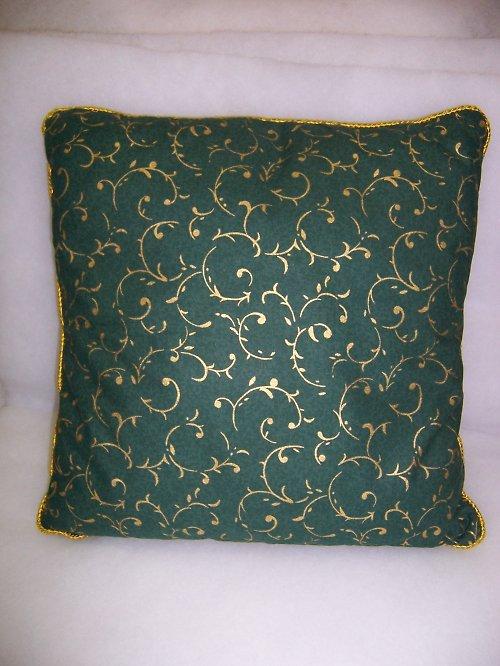 povlak na polštář zelený se zlatým tiskem