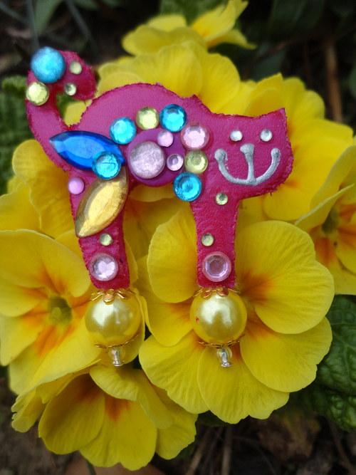 Brošnička farebná kvetinka :)