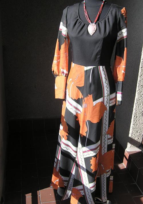 Šaty noblesní, dlouhé, působivé