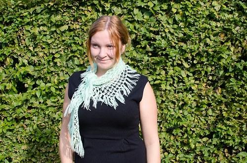 Zelenkavý pavučinkový šátek