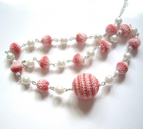 Oblečený náhrdelník - červenobílý