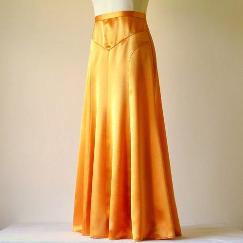 Zlatá sukně ze saténu