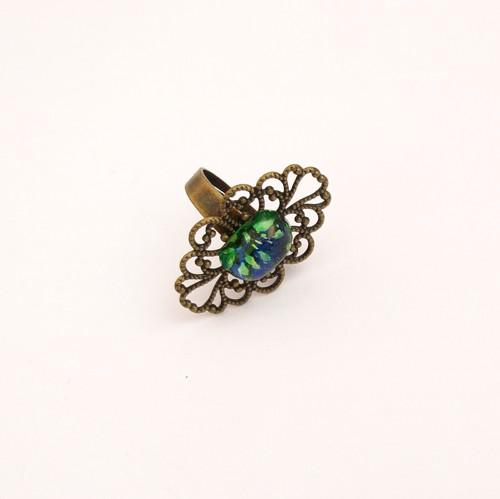 Filigránový prsten s modrozeleným kabašonem