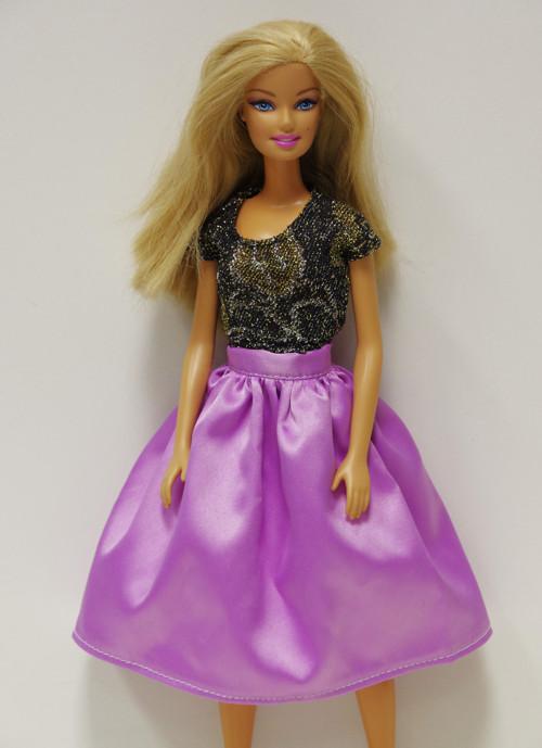 Lila saténová sukňa pre Barbie