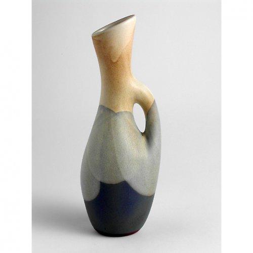 Váza s ouškem