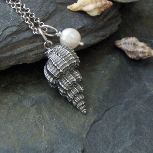 Mořská mušle II. + dáreček přívěsek perlička