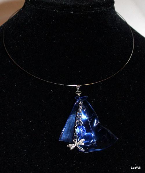 Modrá vážka náhrdelníček