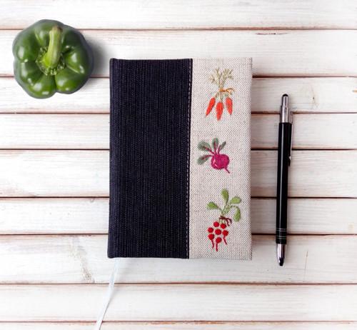 Vyšívaný zápisník Zelenina - A6