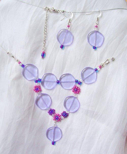 Růžové a fialové kytičky v lila (64)