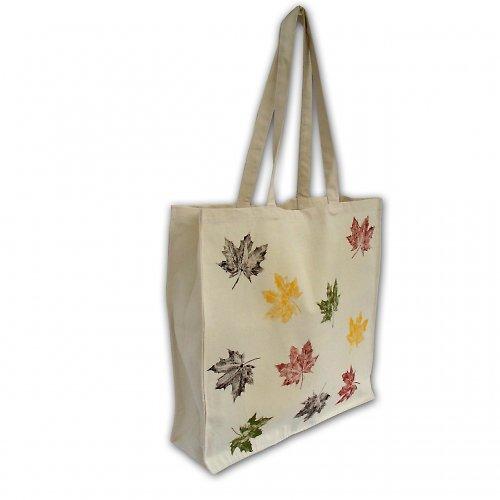 Velká nákupní taška s barevnými listy