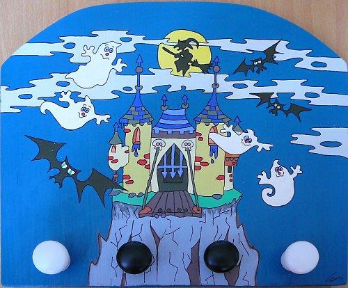 Věšák strašidelný hrad