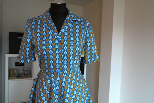 košilové šaty petrolejové s lístečky vel 38