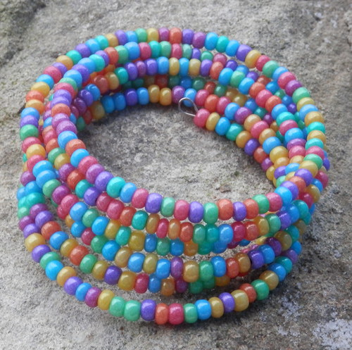 Pestrobarevný náramek