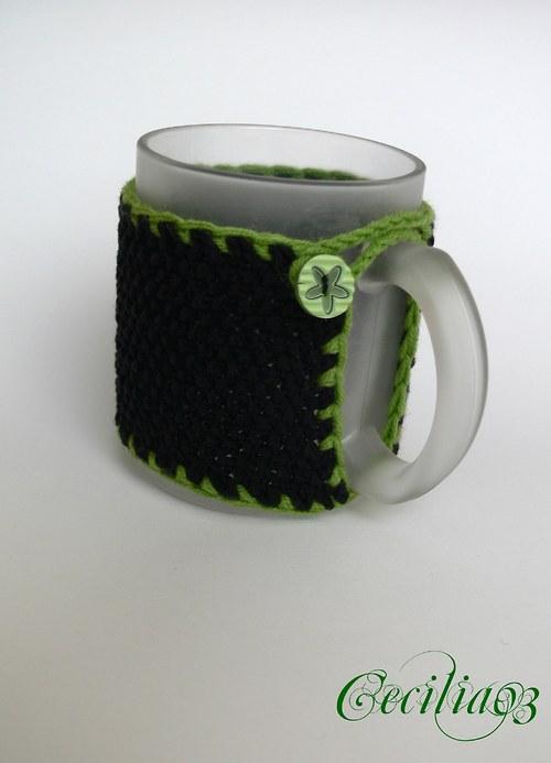 Šála v černé se zelenou
