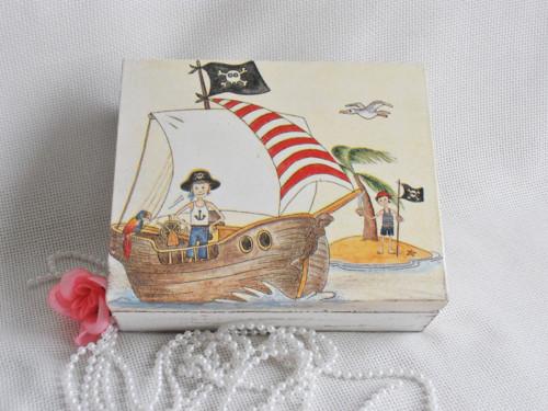 Dárková krabička s lodičkou