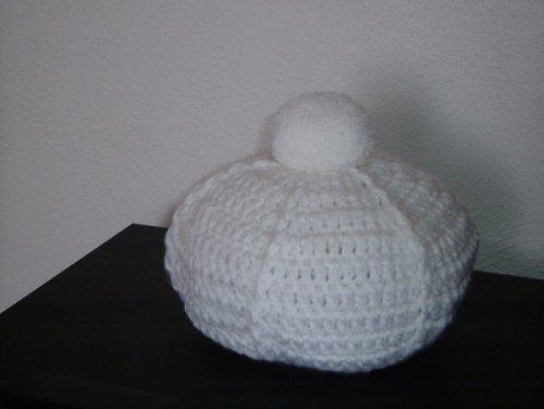 Háčkovaný zimní baret