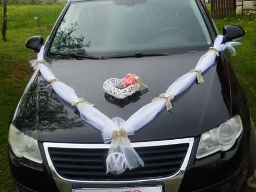 Svatební dekorace, výzdoba na auto nevěsty SRDCE