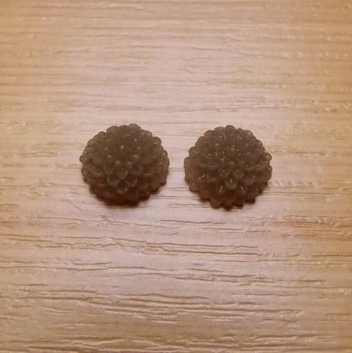 Chryzantéma - kabošon - 10 x 5 mm