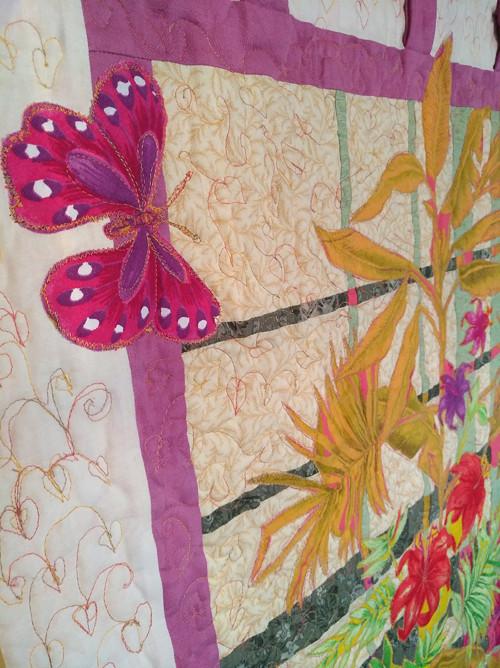 Závěsný obraz s aplikací a motýlem
