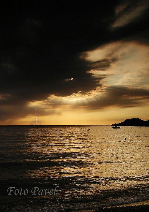 Večerní moře na Ibize