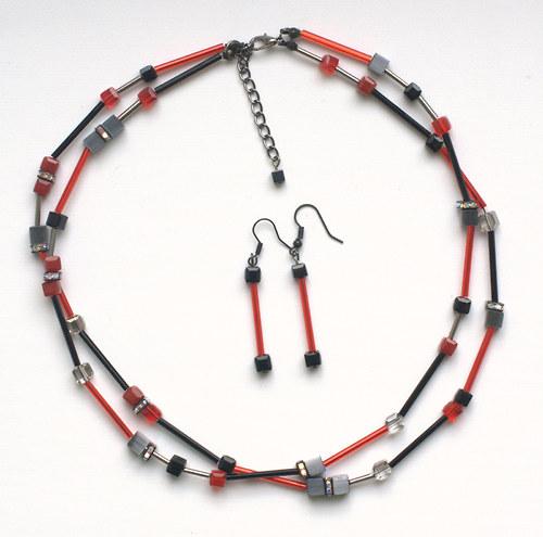 kostičkový set dvojitý náhrdelník černočervený