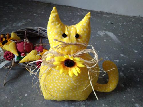 Kočka se slunečnicí