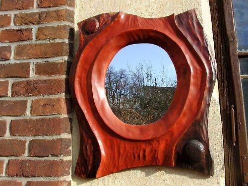 Dřevěné plastiky  zrcadlo kdo je nej...na přání