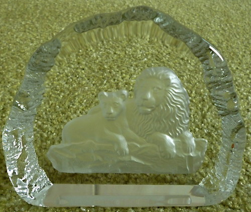 plaketa sklo s motivem lvů