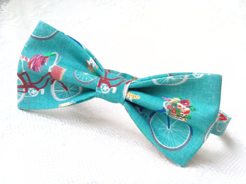 Cool retro bicycles bow tie